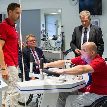 Tasavallan presidentti vieraili Validia Kuntoutus Helsingissä