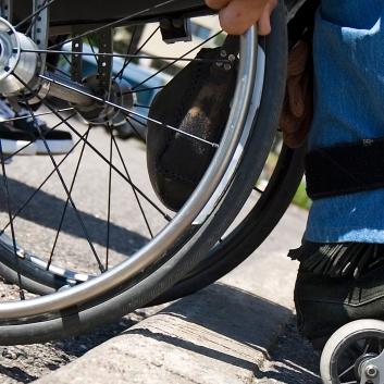 Yhdenvertaisuus- ja tasa-arvolautakunta: Liikennekaarihankkeessa säädettävä esteettömyydestä