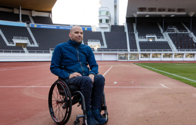 Kuvassa Tuukka Nisso uudella stadionilla