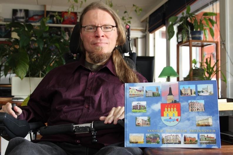 Vaikeavammainen Kimmo Lamminpää voimaantui tekemällä kuvakirjan