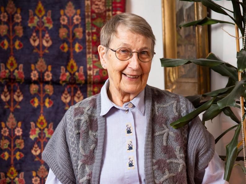 kuvassa psykologi Pirkko Lahti