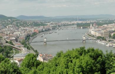 Budapest tutuksi suomen kielellä