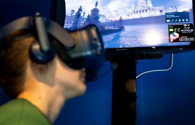 Virtuaalitodellisuuslaseja käyttäessä päästään hyvin lähelle aitoa kokemusta